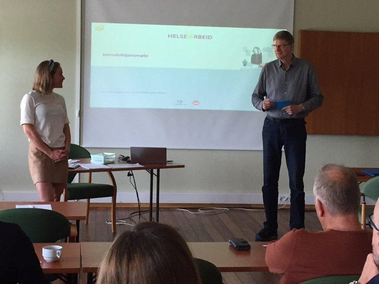 Guro Toppen fra Helgelandssykehuset og Odd-Arne Sandvik fra NAV Arbeidslivssenter Nordland